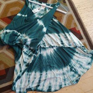 Dresses & Skirts - Jade Green Tie Dye Maxi Dress NWT